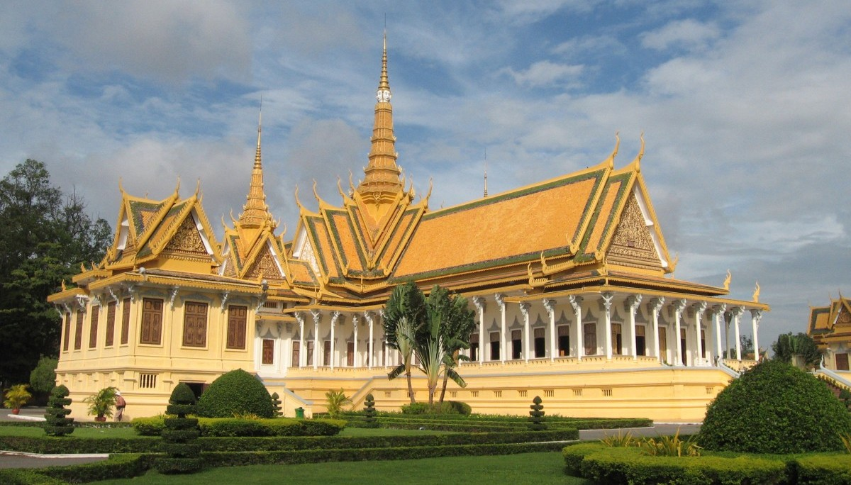 Throne_Hall,_Royal_Palace,_Phnom_Penh,_Cambodia